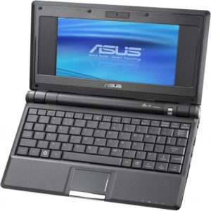 Asus EeePC700 – ультра-портативный нетбук