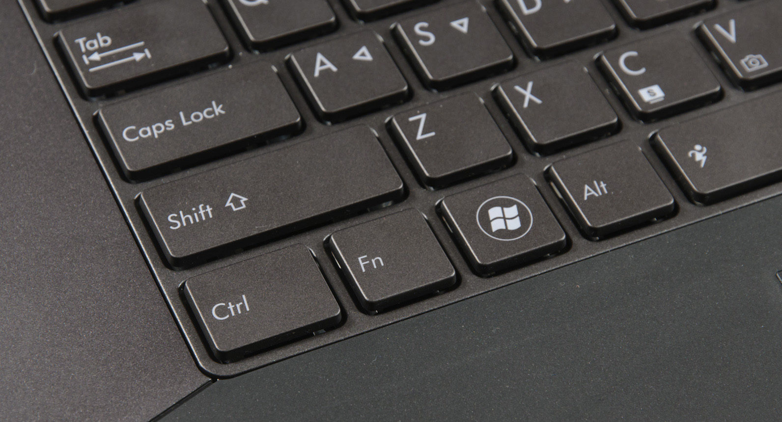 Расположение кнопки «Шифт» на клавиатуре в ноутбуке