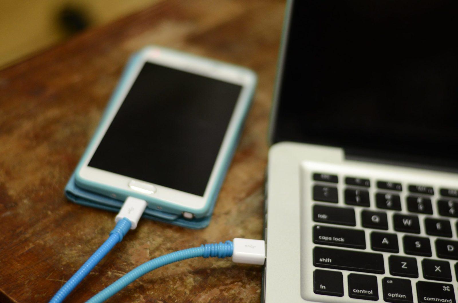 Особенности подключения телефона к ноутбуку